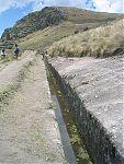 Акведук Комбемайо (фото - http://commons.wikimedia.org/wiki/File:Cumbemayo_aqueduct.JPG by Gsd97jks)