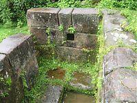 Каменные резервуар для воды. (http://mi-cochabamba.blogspot.ru/2009/08/cochabamba.html by Wilerman Muñoz del Castillo)