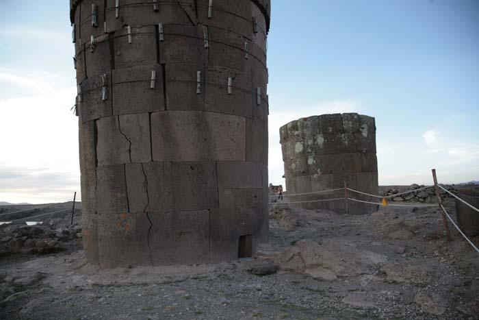 Чульпы Силустани – фото со следами ремонта (фото - А.Ю.Скляров – «Перу и Боливия задолго до Инков»)