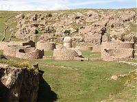 Маукаллакта (фото - http://www.viajeros.com/fotos/k-anamarca-maukallaqta-y-suycutambo-cusco-peru/234474?orden=usuario#js-photo-hash by Physician99)