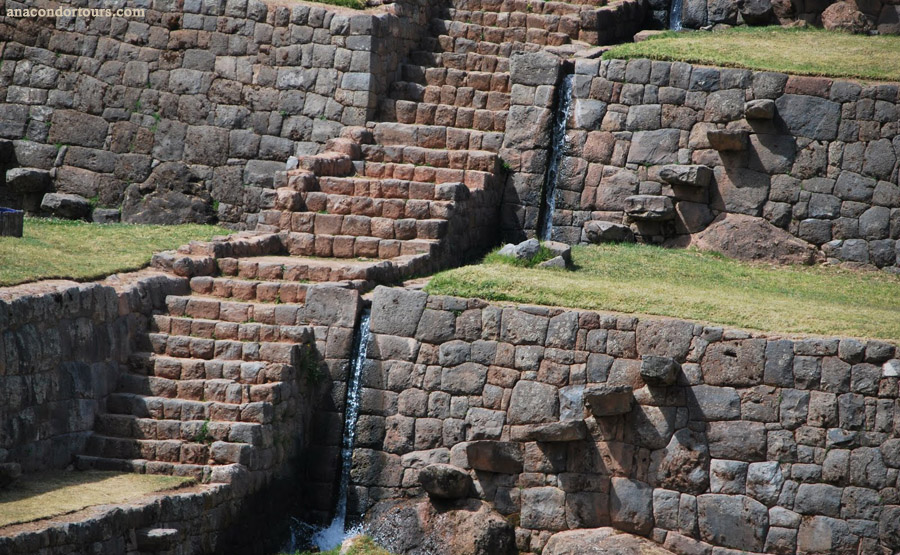 Типон (фото - http://anacondortours.com/TiponPIkillaqta-viajes-cusco-cultural.html by AnacondorTours)