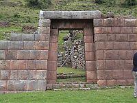 Рис 3.5 – Маукаллакта, Перу (фото - http://amerique-latine.com/belgoclub/fr/journalAvril04.html, Guy Vanackeren N? 39 - Lima 18 - Miraflores avril 2004 - 1ere edition)