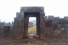 Рис. 3.8 – Вилкашуаман, Перу (фото - http://www.arqueologiadelperu.com.ar/vilcas.htm)