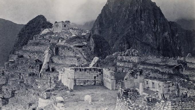 Рис.1.9 Мачу Пикчу в 1912 году, после его очистки от джунглей. (фото - http://pixanews.com/history/redkie-fotografii-machu-pikchu.html)