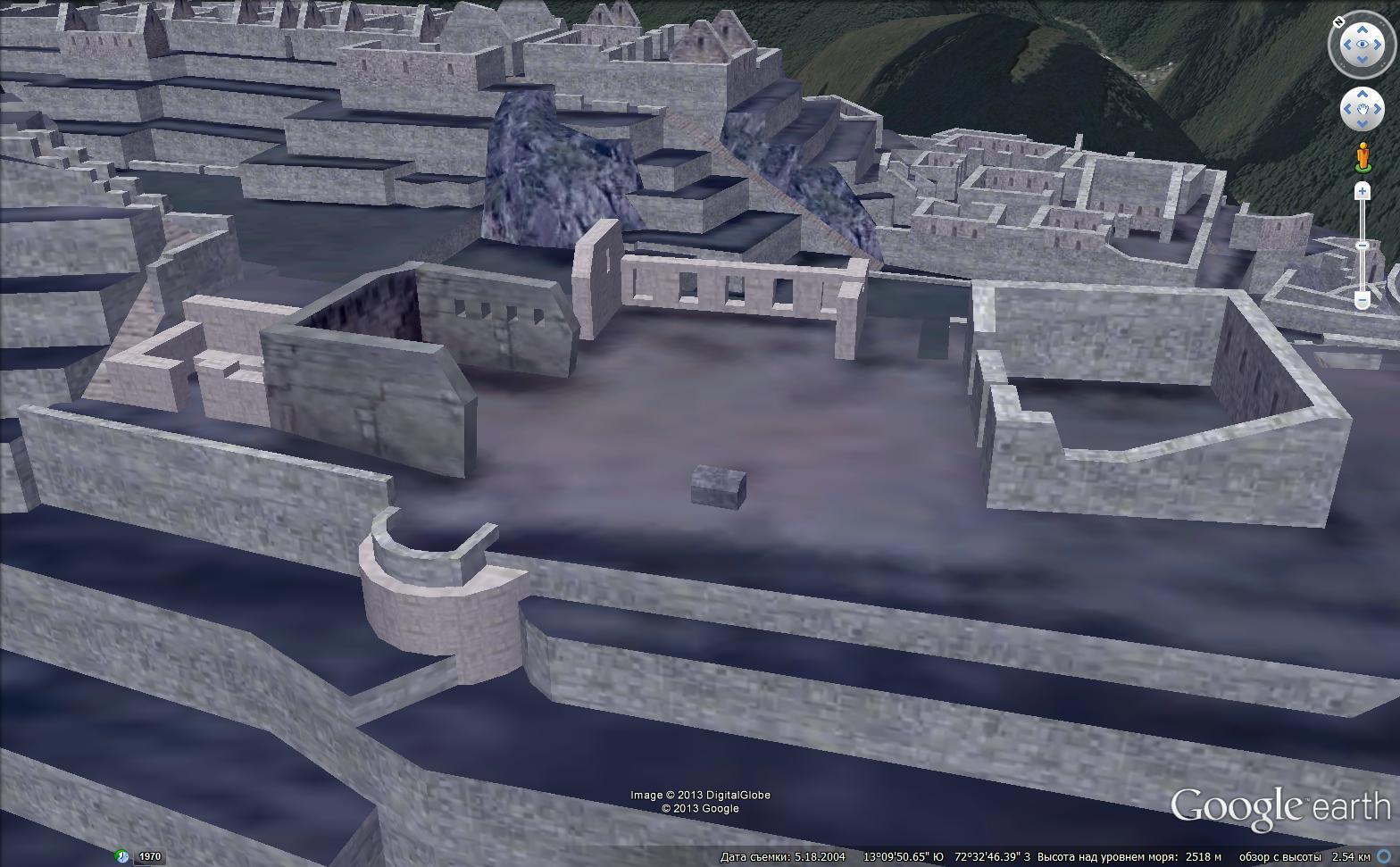 Рис.2.1.13 3D-модель площадки, на которой, слева – главный храм, по центру храм трех окон, справа прямоугольное здание из рваного камня.